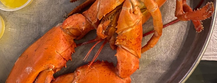 Nunan's Lobster Hut is one of Maine.