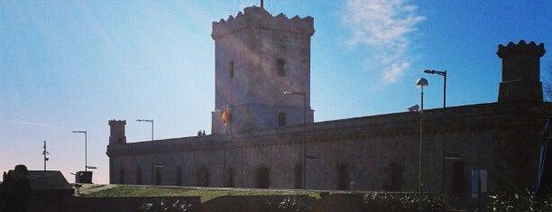 Castillo de Montjuic is one of Euro Trip.