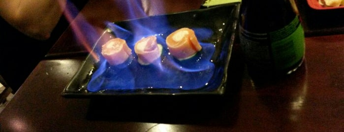 Naru Restaurants & Sushi Bar is one of Restaurante.