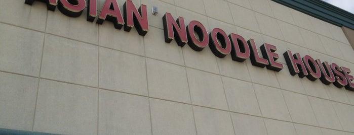 Asian Noodle House is one of Posti che sono piaciuti a Derek.
