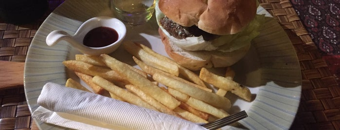 Pirates burger & more is one of Lugares favoritos de Andre.