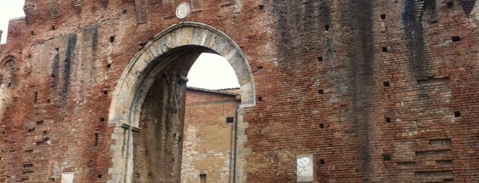 Porta Tufi is one of Trips / Tuscany and Lake Garda.