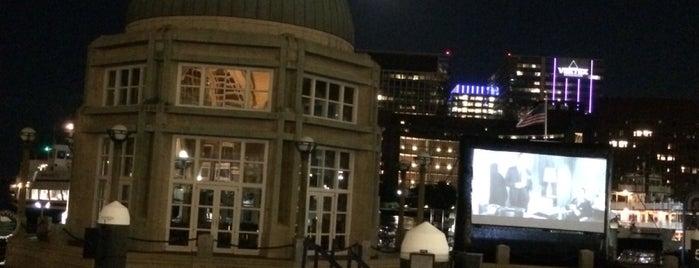 Boston Harbor Hotel is one of Posti che sono piaciuti a Enrico.