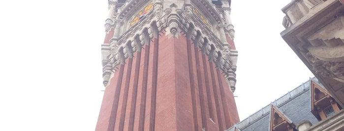 Hôtel de Ville de Calais is one of Lieux qui ont plu à Maksim.