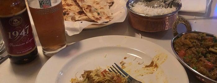 Siri Indian Cuisine is one of สถานที่ที่ Nick ถูกใจ.