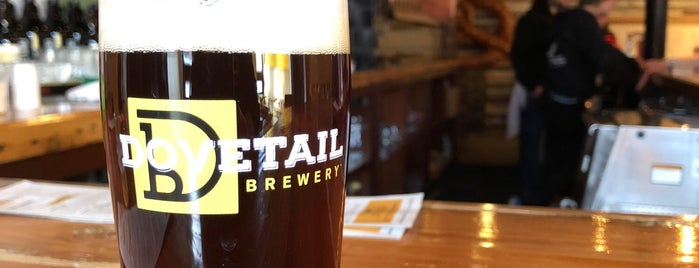 Dovetail Brewery is one of Chicago area breweries.