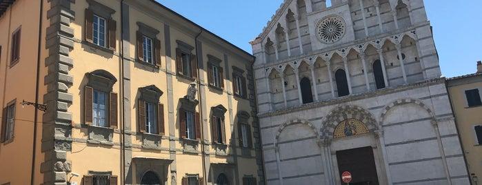 Piazza Santa Caterina is one of Locais curtidos por Ish.