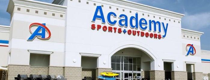 Academy Sports + Outdoors is one of Orte, die Danny gefallen.