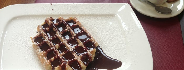 Maison Dandoy - Tearoom & Waffle is one of Tempat yang Disukai Can.