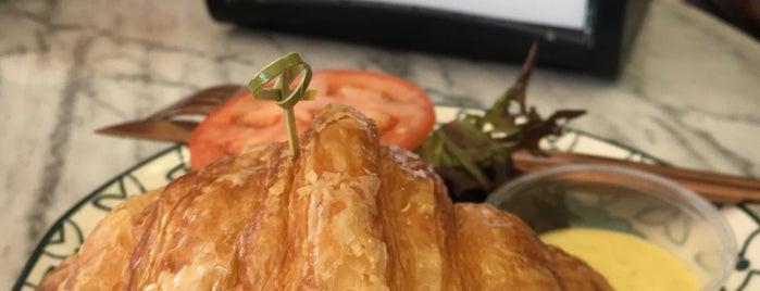 L'Artisane Creative Bakery is one of South Florida Vegetarian/Vegan.