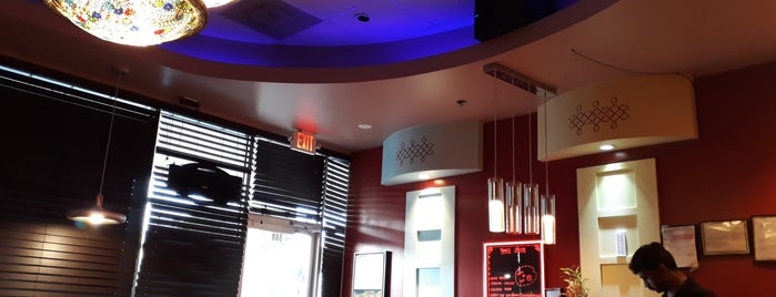 Chennai Cafe is one of Josh : понравившиеся места.
