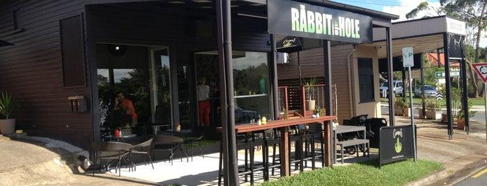 The Rabbit Hole Cafe is one of สถานที่ที่ Mandy ถูกใจ.
