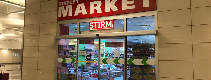 Airport Market is one of Lieux qui ont plu à k&k.