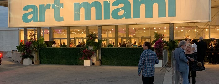 Art Miami CONTEXT is one of Art Basel / Miami.