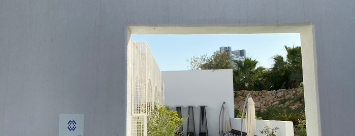 Table Otto is one of Kuwait.
