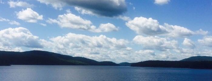 Schroon Lake is one of Orte, die Nicholas gefallen.