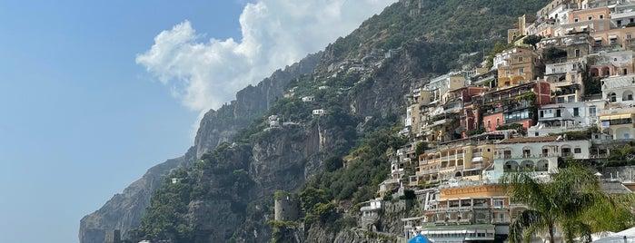La Scogliera is one of Italia: south.