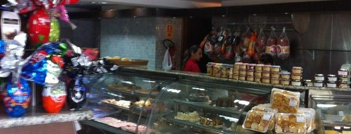 Hollywood Pães e Conveniência is one of Food in Aguas Claras.