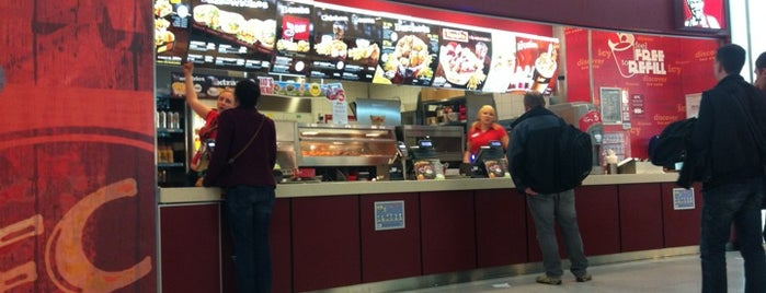 KFC is one of Lugares favoritos de Kevin.