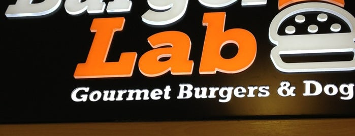 Burger Lab is one of Locais curtidos por Fabiana.