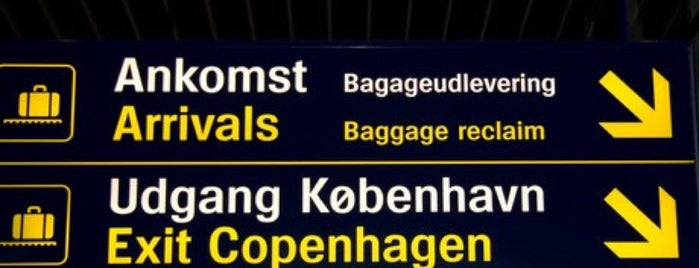 Aeroporto de Copenhaga (CPH) is one of Locais curtidos por 「 SAL 」.