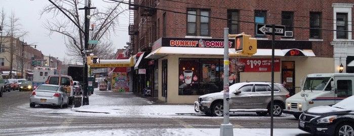 Dunkin' is one of Lugares favoritos de Mario.