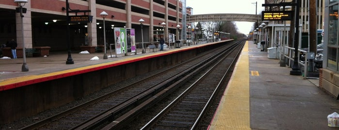 LIRR - Mineola Station is one of Frequent places.