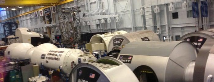 NASA JSC Building 9 - SVMF is one of สถานที่ที่ Mel ถูกใจ.