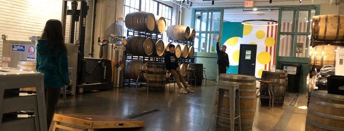 Big Alice Barrel Room is one of Locais curtidos por Erik.