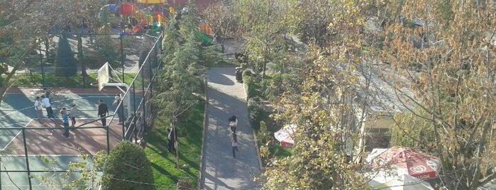 Şair Nedim Parkı is one of Lugares favoritos de özkan.