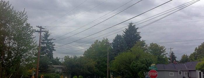 Maplewood Neighborhood is one of Neighborhoods of Portland.
