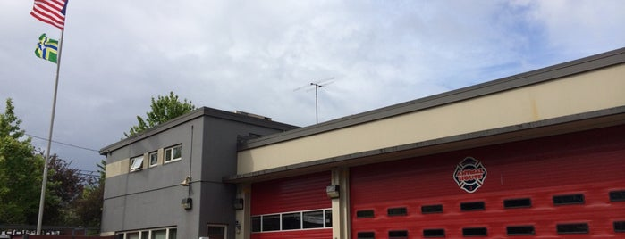 Portland Fire & Rescue Station 3 - Northwest Pearl District is one of Portland Fire & Rescue.