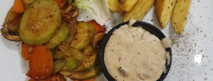 gilan grand restaurant | رستوران گرند گيلان is one of Rasht.