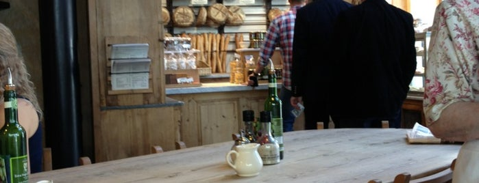 Le Pain Quotidien is one of Locais curtidos por Imre.