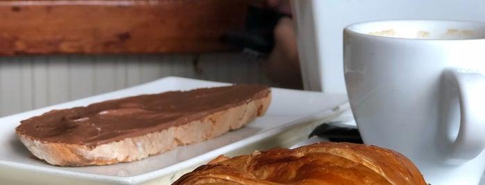 Café de la Luz is one of Locais curtidos por Stella.
