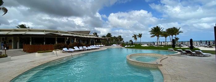 Punta Bonita Beach Club is one of Leo : понравившиеся места.
