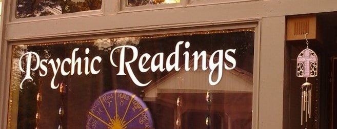 Psychic Readings by Rose is one of Lieux sauvegardés par Brooklyn.