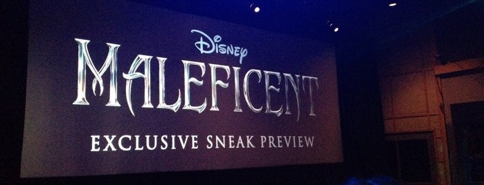 Maleficent Preview is one of Lindsaye : понравившиеся места.