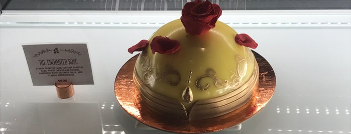 Amorette's Patisserie is one of Lindsayeさんのお気に入りスポット.