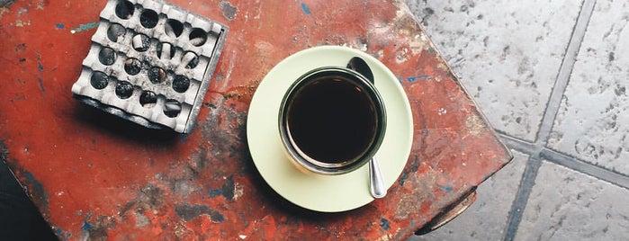 Headline Espresso & Brewbar is one of Specialty Coffee in Jakarta.