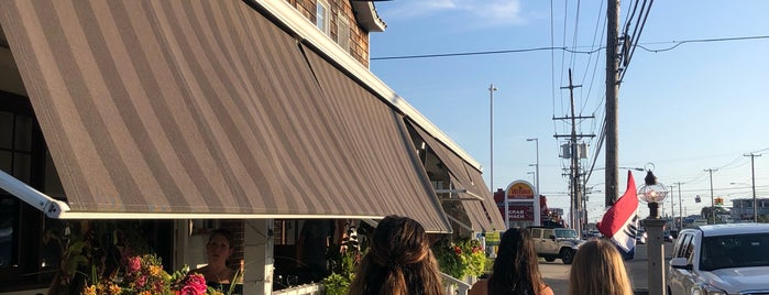 Beach House Restaurant is one of Posti che sono piaciuti a Lauren.