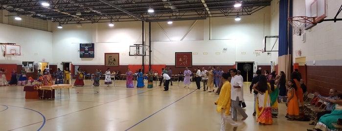 Woodrow Wilson Middle School is one of Crystal : понравившиеся места.