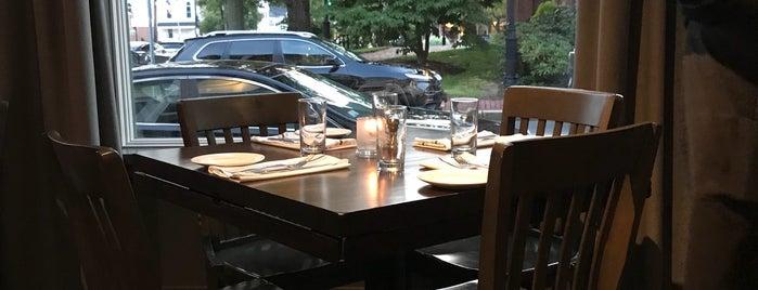 Avenue Restaurant is one of Posti salvati di Adam.