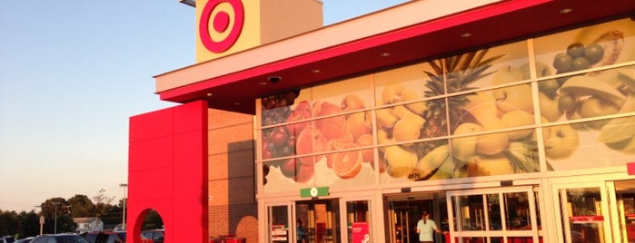 Target is one of Tempat yang Disukai Dawn.