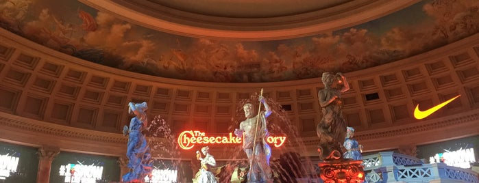 Moving Statues is one of vegas to do.