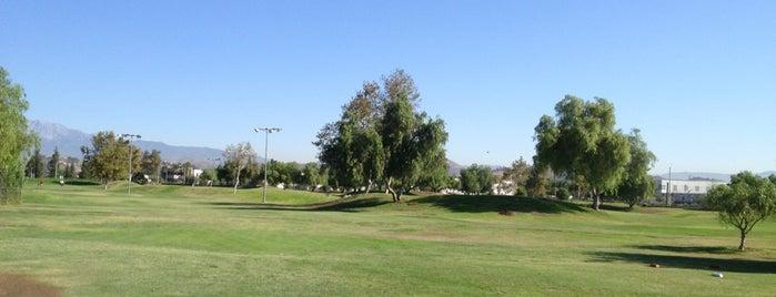 Van Buren Golf Center is one of Danielle 님이 좋아한 장소.