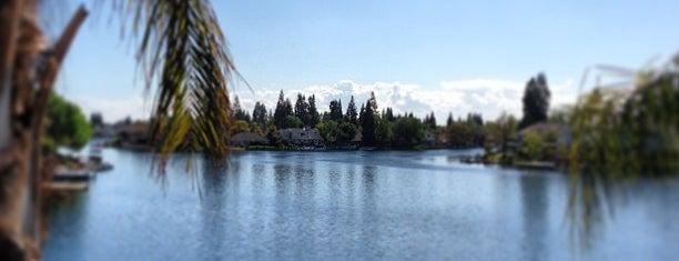 Woodward Lake is one of Fresno.