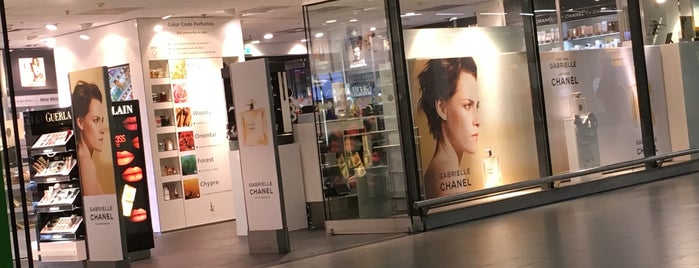 Kappé Perfumes & Colors is one of Schiphol.