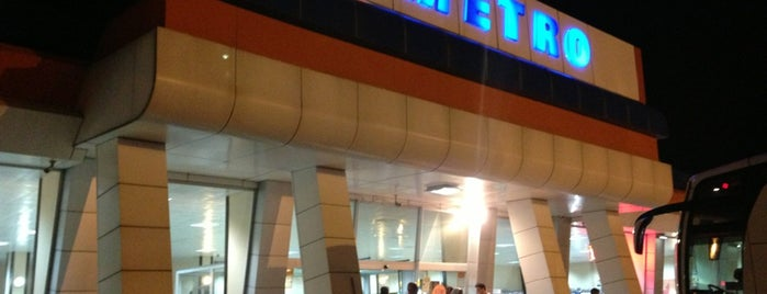 Metro Dörtdivan Turistik Dinlenme Tesisleri is one of Ercan : понравившиеся места.