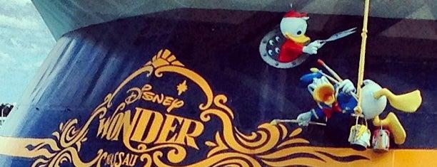 Disney Wonder is one of Gespeicherte Orte von Carl.
